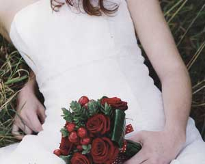 opt-floral-retro-red-weddin.jpg