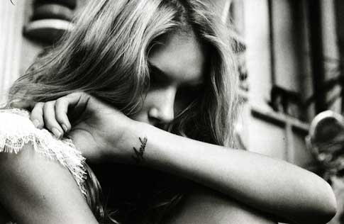 This spring, Italian Vogue showed their models covered in tattoos! A little!