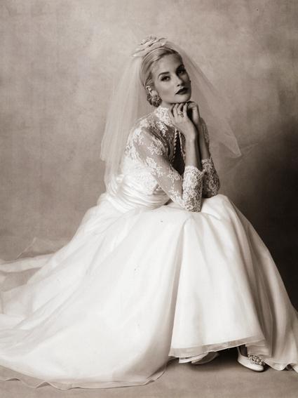 Grace kelly s wedding dress nibs Grace kelly wedding dress design