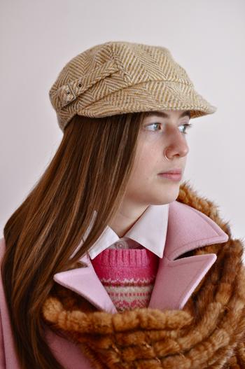 daniellepinkcoatsweaterfurscarf-opt