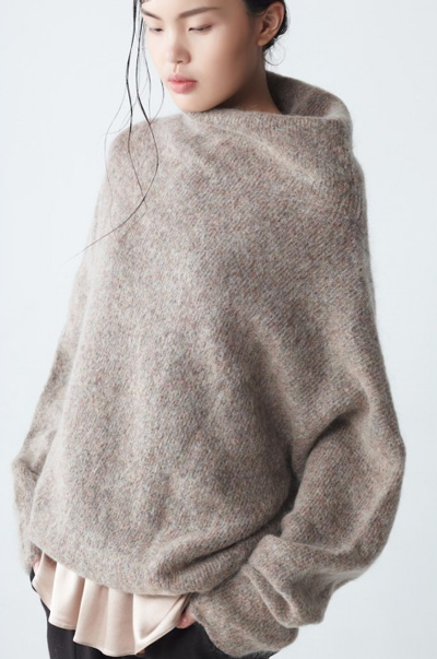 opt-oversized-sweater-detail