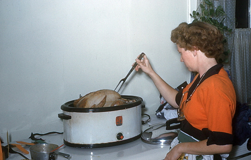 cookingtheturkeyvintagephoto-opt