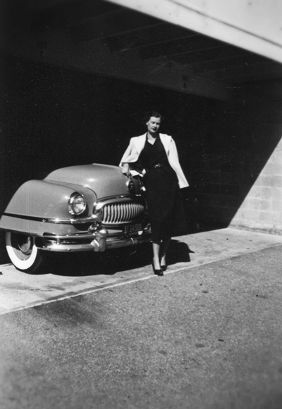 classic-woman-with-car-opt