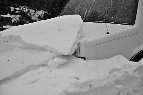 winterburiedcar02-opt