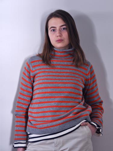 wearingdoublestripesdanielle01-opt