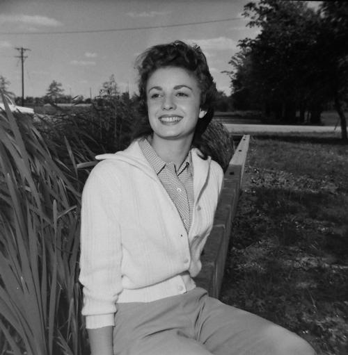 1960-girl-with-gingham-shirt-opt